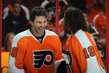 Jaromir Jagr played in the KHL before signing with the Flyers