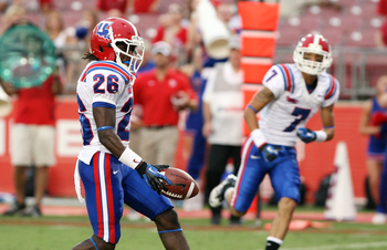 Louisiana Tech running back Tevin King runs for a touchdown against Houston. (Via sbnation.com)