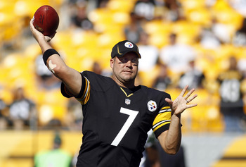 PITTSBURGH, PA - SEPTEMBER 16:  Ben Roethlisberger #7 of the Pittsburgh Steelers warms up prior to the game against the New York Jets on September 16, 2012 at Heinz Field in Pittsburgh, Pennsylvania.  (Photo by Justin K. Aller/Getty Images)
