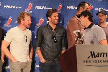 Lundqvist wearing his finest Canadian tuxedo