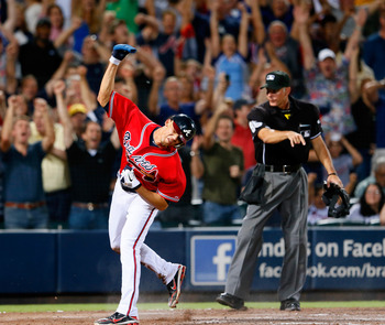 Andrelton Simmons is back from injury, giving the Braves a versatile shortstop.