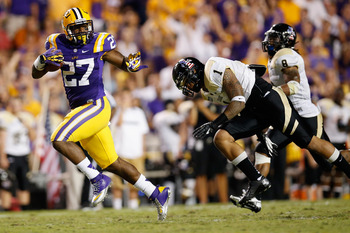 LSU RB Kenny Hilliard