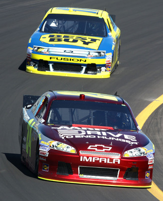 Jeff Gordon (front) and Matt Kenseth aren't out of the Chase by any stretch.