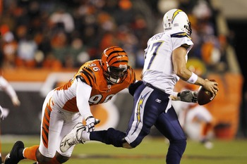 Carlos Dunlap should instantly improve Cincinnati's pass rush.