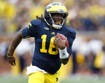 Denard Robinson is fast. Really fast.