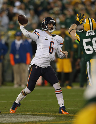 Jay Cutler throwing a pass