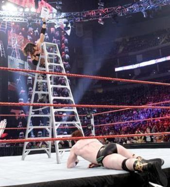 Jomo-vs-paleass-sheamus-ladder-match-19-12-10-john-morrison-17814469-346-383_display_image_display_image