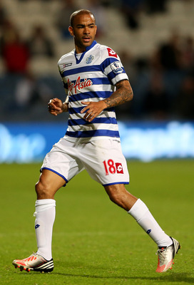 LONDON, ENGLAND - AUGUST 28:  Kieron Dyer of Queens Park Rangers during the Capital One Cup Second Round match between Queens Park Rangers and Walsall at Loftus Road on August 28, 2012 in London, England.  (Photo by Scott Heavey/Getty Images)