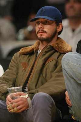 Shia-lebeouf-basketball-game-08_display_image