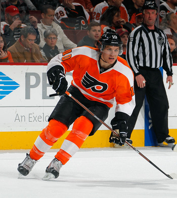 PHILADELPHIA, PA - FEBRUARY 09:  Brayden Schenn #10 of the Philadelphia Flyers skates during an NHL hockey game against the Toronto Maple Leafts at Wells Fargo Center on February 9, 2012 in Philadelphia, Pennsylvania.  (Photo by Paul Bereswill/Getty Image