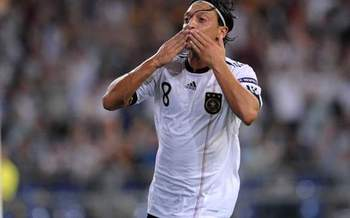 Mesutozil_display_image