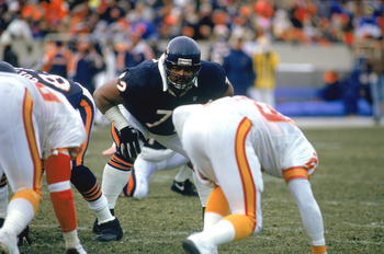 "William ""The Refrigerator"" Perry looking like a man amongst boys."