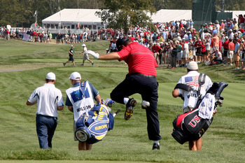 "Boo Weekley ""rides"" his driver like a cowboy off the first tee on Sunday in the 2008 Ryder Cup."