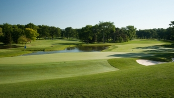 No. 15 at Medinah is the Ultimate Risk and Reward hole