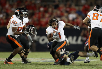 TUCSON, AZ - OCTOBER 09:  Runningback Jacquizz Rodgers #1 of the Oregon State Beavers rushes the football for 6 yards during the fourth quarter of the college football game against the Arizona Wildcats at Arizona Stadium on October 9, 2010 in Tucson, Ariz