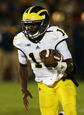 Denard Robinson isn't all that bad in a pro-style offense.