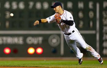 Watch Jose Iglesias play amazing defense.