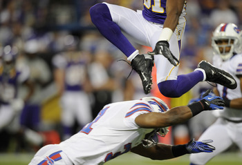 Jerome Simpson is still leaping over NFL defensive backs