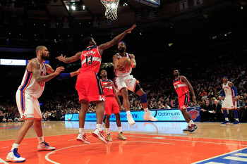 Tyson Chandler gets in position for a rebound against the Washington Wizards at Madison Square Garden