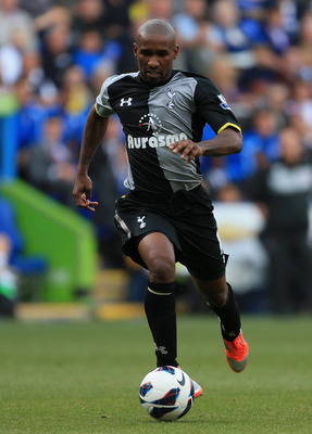 READING, ENGLAND - SEPTEMBER 16:  Jermain Defoe of Tottenham Hotspur in action during the Barclays Premier League match between Reading and Tottenham Hotspur at Madejski Stadium on September 16, 2012 in Reading, England.  (Photo by Mike Hewitt/Getty Image