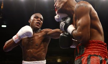 Many argue that Mayweather should've been DQed against Zab Judah.