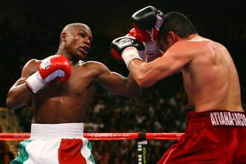 De La Hoya gave Mayweather his toughest challenge to date.