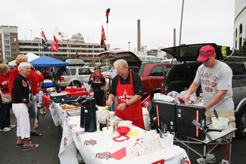 COLUMBUS, OH - SEPTEMBER 27: Ohio State Buckeyes fans tailgate in a parking lot outside Ohio Stadium before their game against the Minnesota Golden Gophers on September 27, 2008 in Columbus, Ohio.  (Photo by Jamie Sabau/Getty Images)