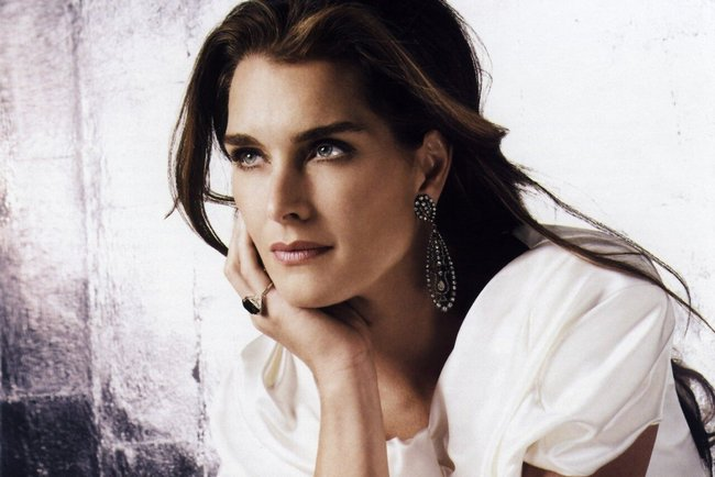 7brookeshields-astroandblue_crop_650