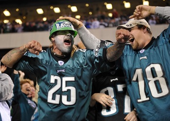 Eagles fans celebrate as Philadelphia pulls out a win over the Giants