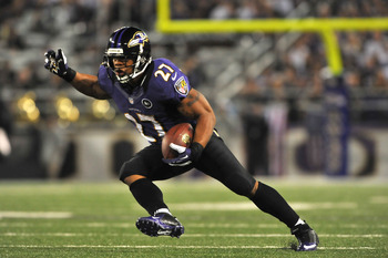 BALTIMORE - SEPTEMBER 27:  Ray Rice #27 of the Baltimore Ravens runs the ball against the Cleveland Browns at M&T Bank Stadium on September 27, 2012 in Baltimore, Maryland. The Ravens led the Browns 9-7 at the half. (Photo by Larry French/Getty Images)