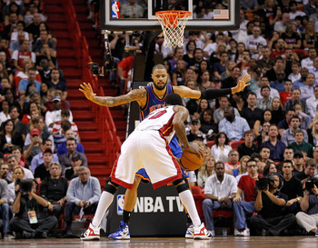 Tyson Chandler, the reigning Defensive Player of the Year, doing what he does best.