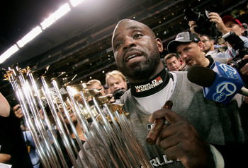 Since we're talking about baseball's least entertaining players as well, here's Carl Everett.  Bet you forgot he was with the 2005 White Sox.
