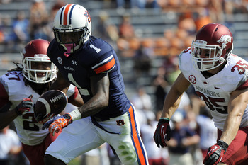 Trovon Reed runs after a catch in the second half. Photo via Todd Van Emst/Auburn Athletics