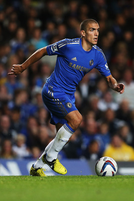 LONDON, ENGLAND - SEPTEMBER 25:  Chelsea's Oriol Romeu in action during the Capital One Cup third round match between Chelsea and Wolverhampton Wanderers at Stamford Bridge on September 25, 2012 in London, England.  (Photo by Julian Finney/Getty Images)