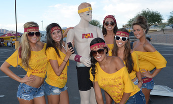 Hottest Tailgating Pictures in CFB