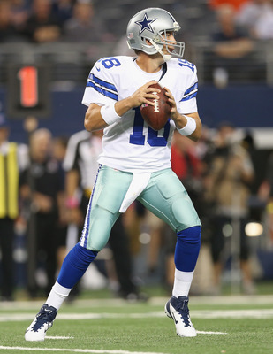 Backup quarterback Kyle Orton throws Sunday against the Chicago Bears after Tony Romo threw 5 interceptions.