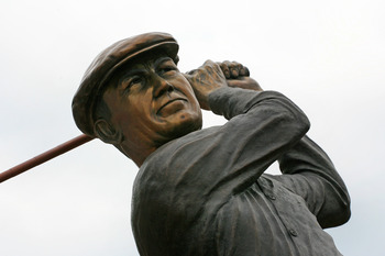A statue of Ben Hogan is a salute to his greatness.