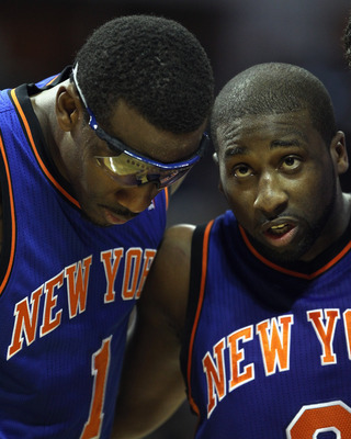Stoudemire (left) and Raymond Felton