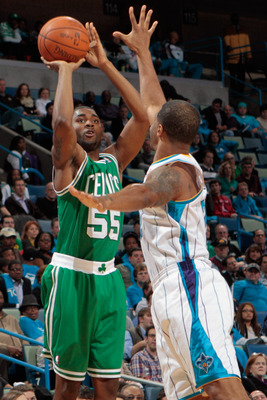 E'Twaun Moore takes a shot against New Orleans whilst playing for Boston.