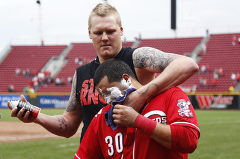 Mat Latos has the mentality to hoist his team on his shoulders and lead them to victory.