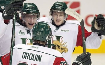 Nathan-mackinnon-right-and-jonathan-drouin-the-canadian-press_display_image