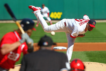 Adam Wainwright gives the St. Louis Cardinals a slight edge on the mound in Game 5 against Gio Gonzalez and the Washington Nationals.