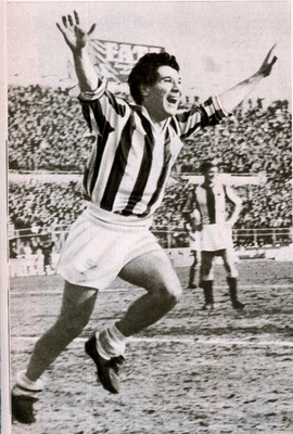 Photo courtesy of: http://footballarchive.tumblr.com/post/27138524140/omar-sivori-juventus-1957-65-source-vavel