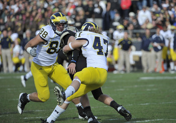 Michigan's Jake Ryan (No. 47) roughed up Purdue last week and did the same to Illinois this week.