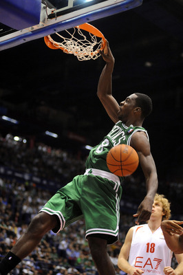 Jeff Green jamming it home.
