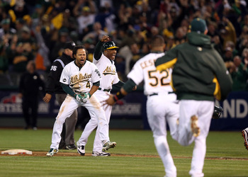 Coco Crisp hits a walk-off single in Game 4.
