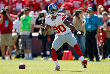 SAN FRANCISCO, CA - OCTOBER 14: Wide receiver Victor Cruz #80 of the New York Giants celebrates breaking free for a first down with a dance against the San Francisco 49ers in the first quarter on October 14, 2012 at Candlestick Park in San Francisco, Cali