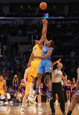 Andrew Bynum against Serge Ibaka of the OKC Thunder