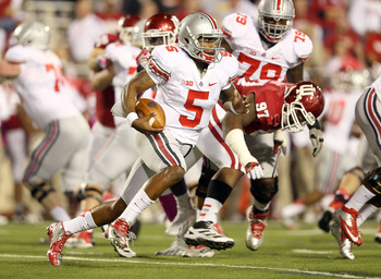 BLOOMINGTON, IN - OCTOBER 13:  Braxton Miller #5 of the Ohio State Buckeyes runs with the ball during the game against the Indiana Hoosiers at Memorial Stadium on October 13, 2012 in Bloomington, Indiana.  (Photo by Andy Lyons/Getty Images)