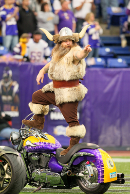 MINNEAPOLIS, MN - NOVEMBER 20:  Minnesota Vikings mascot Ragnar gets fans excited before the game against the Oakland Raiders on November 20, 2011 at Mall of America Field at Hubert H. Humphrey Metrodome in Minneapolis, Minnesota.  (Photo by Adam Bettcher
